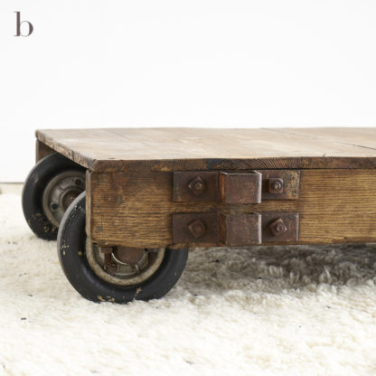Ancien chariot industriel TABLE BASSE INDUSTRIELLE
