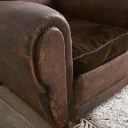 Anciens fauteuils club des années 40/50.
