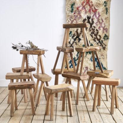 Tabourets ou sellettes en bois massif des années 60 BRUTALISTE