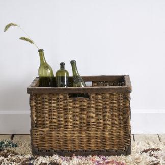 Ancien porte-bouteilles en osier panier