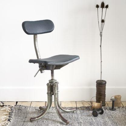 chaise industrielle pivotante atelier biennaise