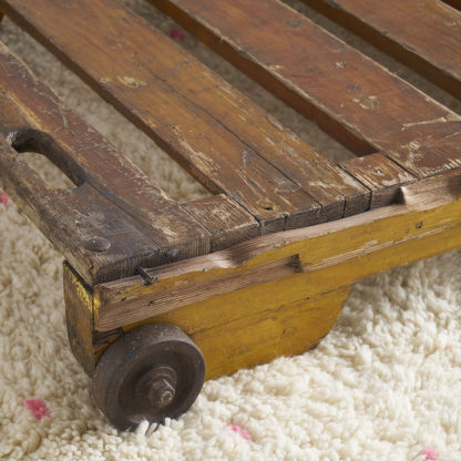 Ancien chariot industriel. table basse