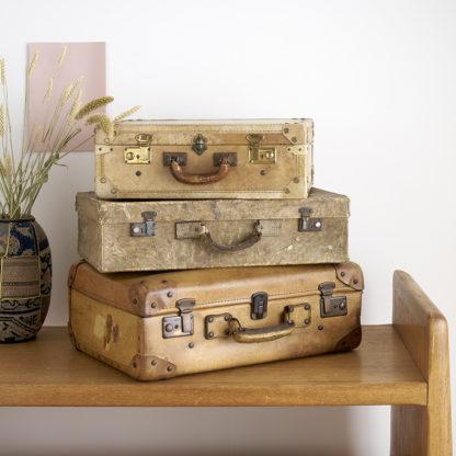valises vintage aux teintes de beige