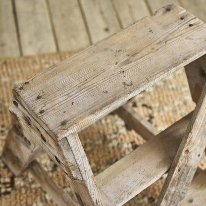 Ancien marchepied d'atelier en bois