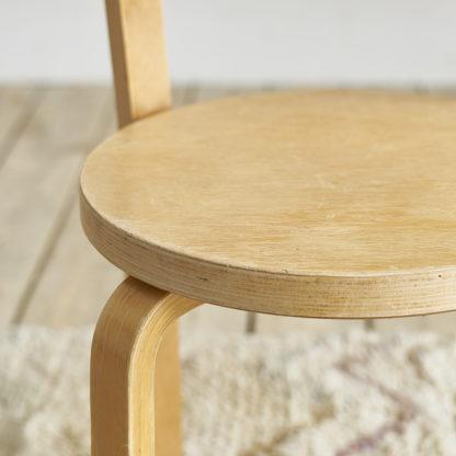 chaise 68 dessinée par Alvar Aalto vintage