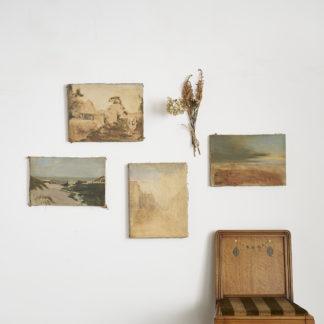 Ensemble de 4 toiles anciennes. Motifs de paysages effacés.