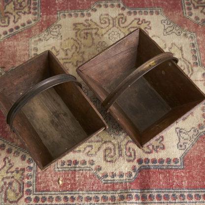 anciens paniers de ferme en bois