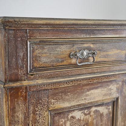 ancienne armoire haute dite 'armoire parisienne' en sapin