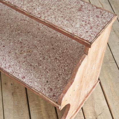 Etagère de magasin fibre ciment mouchetée