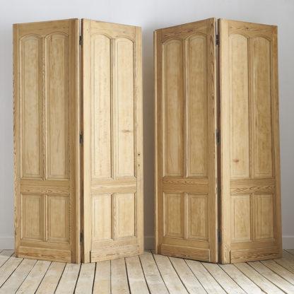 anciennes portes cloisonnantes cloison en bois de pitchpin.