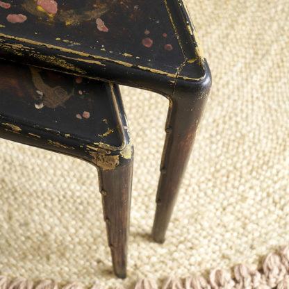 Tables gigognes des années 30 laque japon