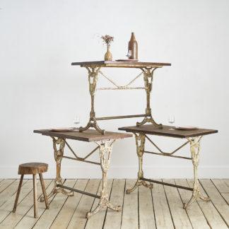 tables de bistrot du début du siècle XIXème