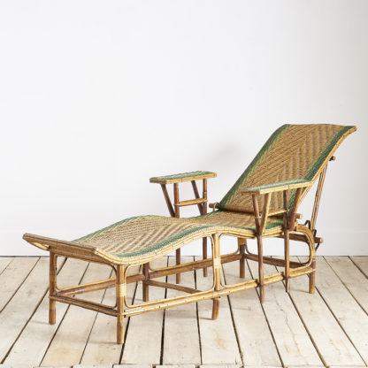 Chaise longue en rotin et osier transat années 50