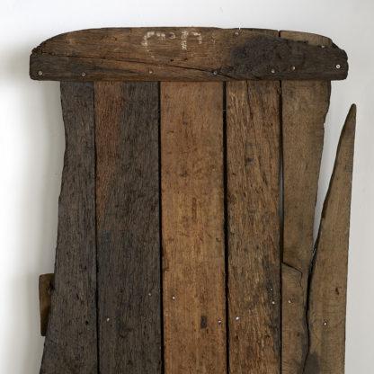 Planches décoratives et étagère primitive