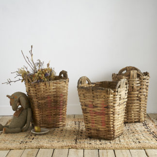 Anciens paniers de vendange en bois tressé et osier