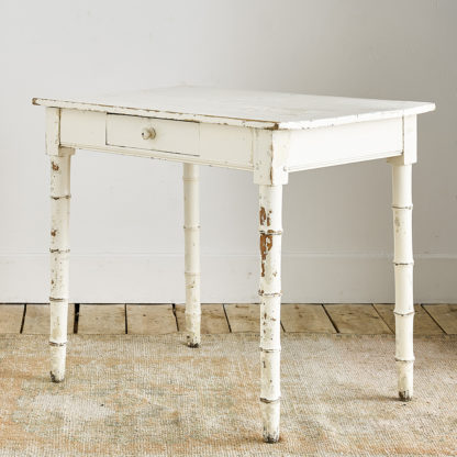Table ancienne effet bambou