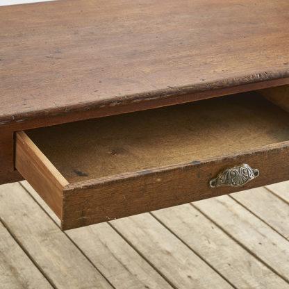 Ancienne table  en chêne