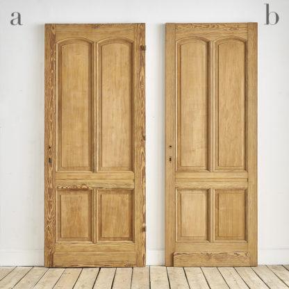 Anciennes portes cloisonnantes en pitchpin