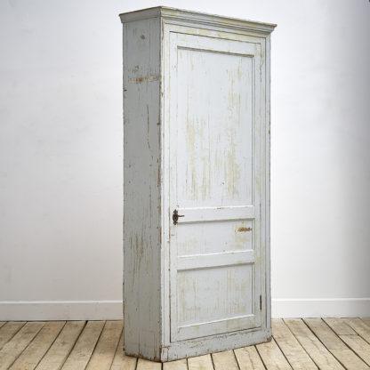 Grande armoire patinée