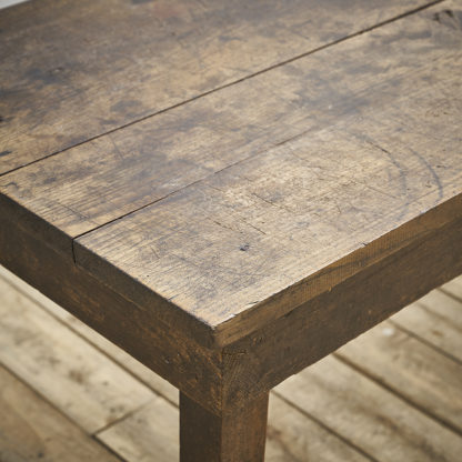 Table primitive en chêne
