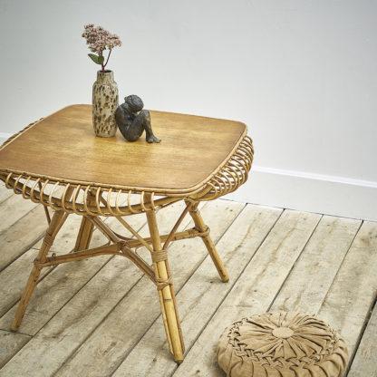 Table basse en rotin